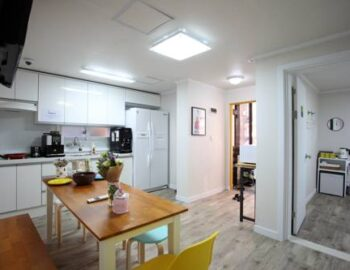 24 Guesthouse Itaewon