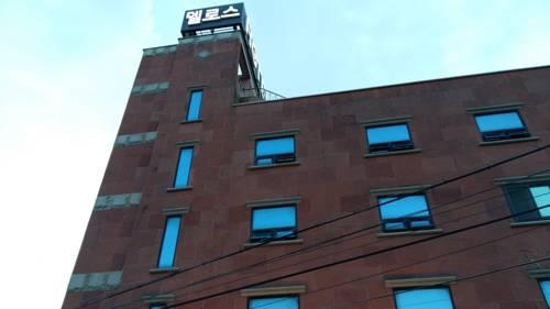 Delos Hotel