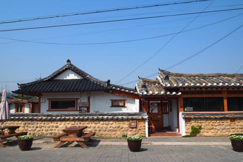 Floral Space Hanok Guesthouse