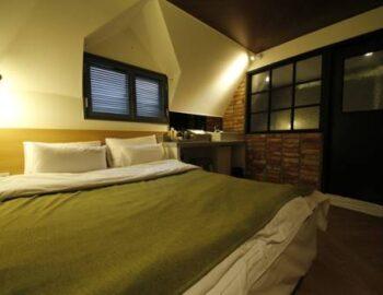 Razzi Hotel
